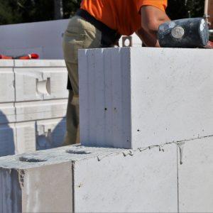 Abrasieve bouwmaterialen